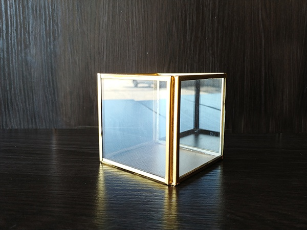 Gold – Cube Box Glass Detail Small