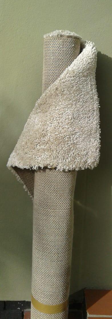 Off white carpet 16x23m